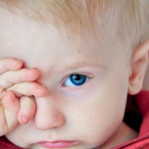 чешутся глаза у ребенка что делать